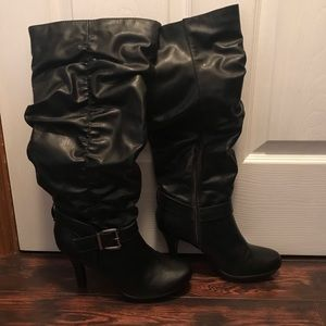 SO Tall Heeled Boots in Black Size 9